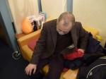 スタジオでプレーバックを聴くプーさん・・・寝てはるわけではありませんよ~。いや、寝てはるかも、微妙(笑)。