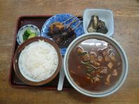 Big lunch I had near the venue yesterday. Look at the size of the miso soup (pork/veggies) on the right. It's huge…the muddy color of the soup might not stimulate your appetite but it actually tastes good!!!